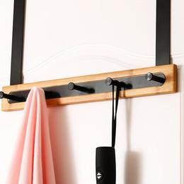 Porta di bambù online-Pratico supporto Bamboo Door Hanger riporre Ganci decorazioni Punch libero non di slittamento casa di spazio multifunzionale di risparmio