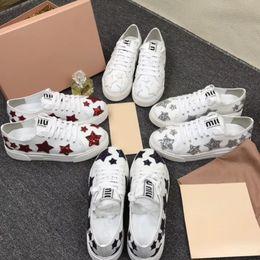 Stella rossa lampeggiante online-2019 M casa 2019 nuove scarpe bianche in pelle net red flash scarpe casual piatte sportive 35-39 metri