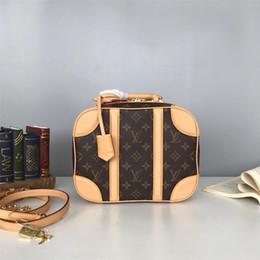 2019 marka moda Yeni Basit stil çanta omuz çantası Moda Letter nakış deseni Satchel Zincir Çanta Crossbody Çanta Lady Bez nereden