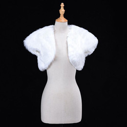Giacche per avvolgere online-White Wedding Bolero Faux Fur Bridal Wraple Giacca Wrap Giacca Inverno Sera Party Manica Corta Shrug Bolero Cappotto Accessorio femminile CPA1274