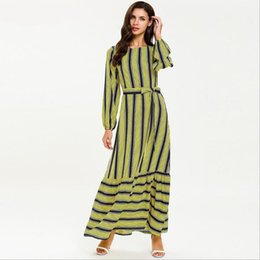 Одежда дубай онлайн-Full length striped print Muslim robes female fashion dubai islamic was thin abayas prayer service clothing with belt wq1646