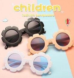 e90c0a7fe4 Flor redonda gafas de sol para niños Diseñador de la marca Chica Niño Gafas  Gafas de sol lindas para bebés UV400 Lentes de niños pequeños 6 colores