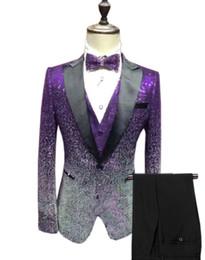 2020 fumatori Nuovi uomini di arrivo Abiti Paillettes Materiale e nero smoking dello sposo risvolto Groomsmen Wedding uomo migliore (Jacket + Pants + Tie) C754 fumatori economici