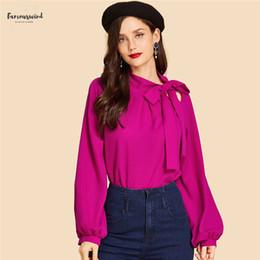 Camicetta senza maniche rosa online-Hot Pink Tie collo superiore della pianura Vintage elegante Sleeveless Plain stand colletto a maniche lunghe autunno delle donne camicette Workwear Camicia