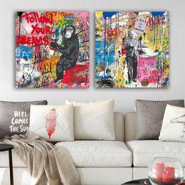 Мультяшное искусство граффити онлайн-Улица стены граффити Art Холст Картина Аннотация Banksy Art Prints Мультфильм Плакат Современная Гостиная Стена Изображение Pop Decor