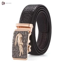 Primavera nueva llegada hombre moda caliente hebilla grande cinturones de diseño hombres alta calidad para hombre cinturones de lujo hombres diseñador cinturón de cuero envío gratis desde fabricantes
