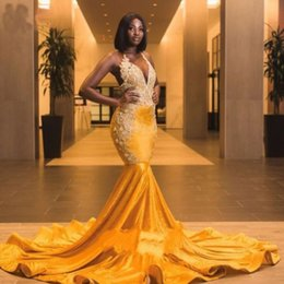 2019 vestidos de baile plissados de turquesa Gougeous Yellow Velvet Long Train Mermaid African Prom Dresses 2019 Backless Beads Black Girl Vestidos de festa Plus Size Vestidos de noite longos