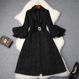 Шерстяные куртки для дам онлайн-Модные бренды Дизайнеры Зимние шотландские твидовые шерстяные жакеты и пальто Леди с зубчатым воротником и расклешенными рукавами Урожай шерстяное пальто