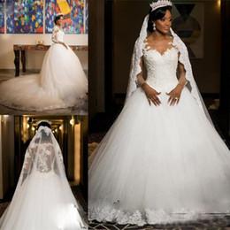 Robes de filles nues en Ligne-Black Girl robes de mariée en dentelle appliques illusion manches longues robes de mariée de mariage fermeture éclair dos pure robe de mariée