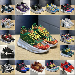 Diseñadores de zapatos top hombre online-TOP zapatos de diseño de la cadena de reacción lujo de los hombres de las mujeres zapatillas de deporte 2019 Moda Look Distrito medusa Chaussures Calzado casual