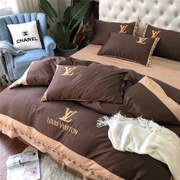 browning bedding Promo Codes - Wide Stripe Flower Bedding Sets New Come 60S Cotton Brown Letter Design Bed Sheet Europe And America In Vogue