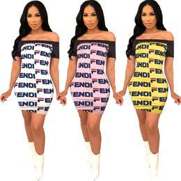 Stampato vestito da bodycon della spalla online-F Lettera abiti di stampa fuori dalla spalla Maglia a manica corta causale modo del pannello esterno di colore cucitura aderente vestito di un pezzo femminile vestiti 2XL C484