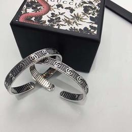 2019 grandes pulseiras para as mulheres atacado luxo 2020 designer de jóias mulheres pulseira pulseiras designer de prata para pulseira de presente do vintage da moda com a caixa