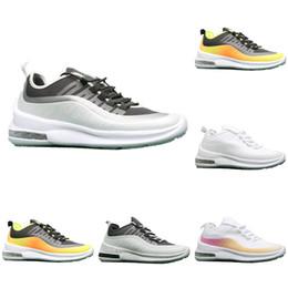 2019 zapatos deportivos de los hombres de moda Hot Brand Men Womens Black white grey summer trendy colchón de aire calzado deportivo para correr profesional para correr al aire libre tamaño 36-45 zapatos deportivos de los hombres de moda baratos
