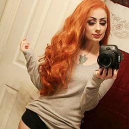 Pelo cobrizo rojo online-Peluca larga roja de cobre para las mujeres Pelucas delanteras del cordón sintético de color naranja rojizo Peluca de cabello resistente al calor de color mezclado ondulado con pico de viuda