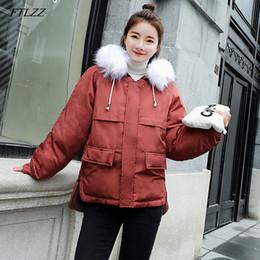 FTLZZ Chaquetas de invierno Cuello de piel sintética Parkas sueltas Abajo  Abrigos de algodón Mujeres con capucha Casual Rosa Negro Burdeos Outwear b5666170ea8a