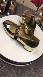 2019 diseñador de ballet 2019 Lujosos zapatos de baile para mujeres, zapatos de ballet con tacón medio de diseñador, ventas de primavera de zapatos de ballet planos de lujo, paquete completo rebajas diseñador de ballet