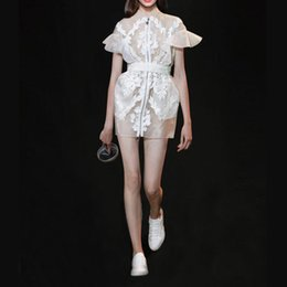2019 design de moda feminina Moda-Runway novo design das mulheres gola manga curta flare zíper frontal gaze bordado rendas florais caixilhos cintura fina vestido curto desconto design de moda feminina