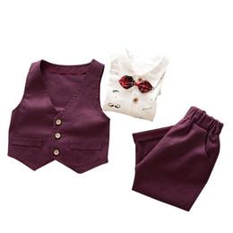 Chalecos de bebé de manga larga online-Primavera otoño Conjuntos de niño de manga larga Caballeros Conjunto de ropa de bebé Chaleco + Camisa + Pantalones Traje de bebé Conjuntos de ropa 3 pcs
