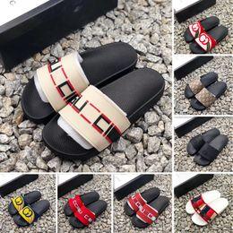 Zapatillas de casa para mujer sandalias online-Con tobogán de verano diseñador de lujo para hombre y para mujer playa interior plana G sandalias zapatillas casa zapatillas con sandalias pico vcemcp