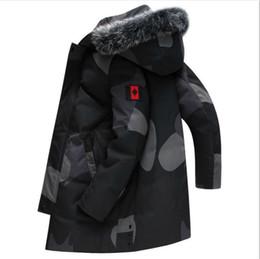 лисий мех с капюшоном парка Скидка Людей тавра зимы вниз пальто с буквы Дизайнерские Мужчины вниз Parkas Роскошные куртки Белый утиный Fox меховой воротник с капюшоном толстый слой одежды