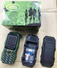 Barato dual sim telefones índia on-line-2019 Novo Telefone W2025 À Prova de Choque Forte Lanterna Dual SIM dual standby 1.77 polegada Telefone Barato