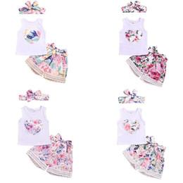 2019 fiore amore bambino + Fascia per neonato Abbigliamento per bambina Set di 3 pezzi Completi per bambina Completi di abbigliamento per bambina senza maniche con stampa Love Flower sconti fiore amore bambino