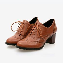 pizzo d'epoca tagliato oxfords Sconti Primavera autunno donne superficiale scarpe brogue vintage tacco grosso cut-out oxford scarpe da donna lace up moda femminile calzature Y190706