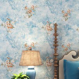 Argentina Papel pintado floral rústico Rollo 3d Papel de pared no tejido para paredes Rosa, azul, azul claro, púrpura Amarillo Fondos de pantalla Flor para el dormitorio cheap flower wall light paper Suministro