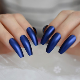 2019 party lange nägel Professionelle Dunkle Royal Blue Coffin Nails extralange Matte Drücken auf Ballerina falsche Nägel Frosted Sharp gefälschte Finger-Party rabatt party lange nägel