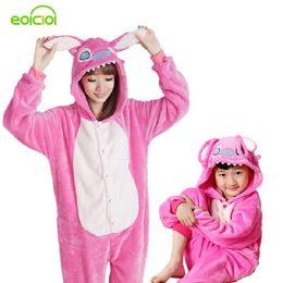 77bf2edf28 Cinese Pigiama animali One Piece Famiglia corrispondenza Abiti Tutina per  adulti Madre e figlia vestiti Totoro
