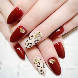 2019 chiodi rosso francese 24pcs Cherry Red Leopard Print Moda francese stile sexy Falso falso adesivo copertura completa Falso Nail Tips Manicure fai da te con colla sconti chiodi rosso francese