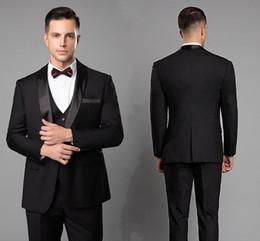 Özel Yapılmış Yakışıklı Erkek Düğün Smokin Siyah Blazer Bir Düğme Şal Yaka Üç Adet Suits Damat Erkek Takım Elbise (Ceket + Pantolon + Yelek) cheap black suits one button nereden siyah takım elbise bir düğme tedarikçiler