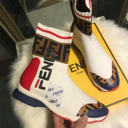 2019 chaussures de marque en tissu Marque de luxe Designer Sneakers Nouvelle Arrivée Hommes Femmes Chaussette Chaussures Haut Haut Casual Chaussures De Haute Qualité Célèbre Bottes Multicolore Tissu Bottillons promotion chaussures de marque en tissu