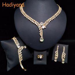 2019 jóia presente de ouro rosa 24k HADIYANA Classicl configurações de jóias de cristal espumante atacado conjunto de jóias de noiva acessório de noiva ouro BN5746