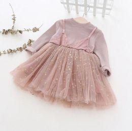 sterne design kleidung Rabatt Mädchen scherzt Kleidungskleid Frühlingsfallbaumwoll-Oansatz 100% lange Hülse Normallack mit Sternmaschen-Patchworkentwurfskleid
