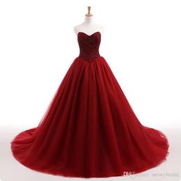Canada 2019 New Gothic Dark Red Ball robe robe de mariée en tulle perlé haut Corset dos jupe en tulle non blanc coloré robes de mariée sur mesure supplier gothic white skirt Offre