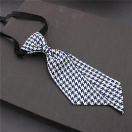 Corbata profesional y la principal joyería de oficina de cuello blanco de azafatas en el hotel Huahua. Nueva corbata de moda desde fabricantes