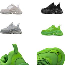 Scarpe sportive marche cina online-CINA TOP QUALITY Paris 17FW Sneaker Triple-S Scarpa 2019 Luxury Dad Shoes Uomo Donna Brand Designer Moda Sport RUN