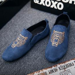 Schuhdruck stoff billig online-2018 Mens Casual Müßiggänger Schuhe Atmungsaktiv Leicht Stoff Mode Tier Druckt Leopard Schwarz Grau Blau Flach mit Billig Männlichen Schuhe