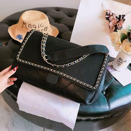 Yeni lüks çanta moda Omuz Çantaları düz Tasarımcı çanta Elmas Kafes Altın düğme Tasarımcı çanta boyutu 35 cm modeli liao0611 nereden