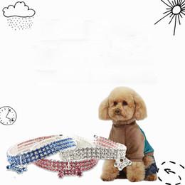 8dae4467289d Rhinestone de lujo Para Mascotas Collares de Perro de Moda Lindo Gato  Collares de Perro Teddy Puppy Schnauzer Pequeño Pet Supplies