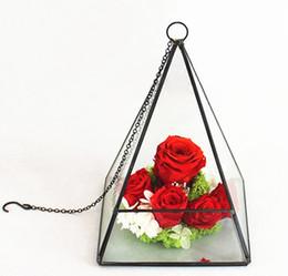 Оптовая Новый Дизайн и Высокое Качество Треугольной Пирамиды Формы Висит Современный Металл Геометрические Подсвечники с Размером L15cmxB15cmxH20cm от Поставщики вешалки для чая оптом
