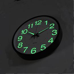 Pendule en Ligne-12 pouces 30 cm horloge murale lumineuse lueur dans la montre à quartz sombre pour enfants chambres chambre salon pendaison horloge décoration de la maison