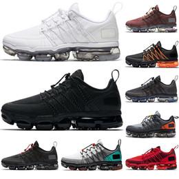 2019 sports de sport mens designer sheos Run Utility chaussures de course hommes formateurs triple noir blanc promotion sports de sport