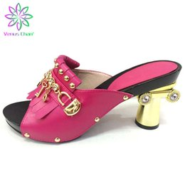 Фуксия на каблуках онлайн-Fuchsia Color Shoe African Wedding Shoe High Quality Fashion Elegant Italian Women with Stone High Heels Summer Women Pumps