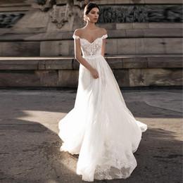 Jupe en dentelle en gazon blanc en Ligne-Beau mot épaule dentelle robe de mariée queue maille longue jupe 2019 nouvelle coutume beige dos blanc de mode sexy gaze mariage