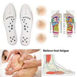 massagem com espuma Desconto Sapatos respiráveis Pad Massagem Palmilhas Magnéticas Acupoint Magnetoterapia Espuma Cuidados Com Os Pés Almofada Para Os Cuidados Com Os Pés WWA245