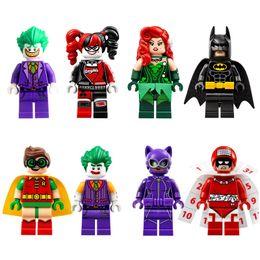 бэтмен фигуры строительных блоков Скидка DC Super Hero Супергерой Бэтмен Харли Квинн Джокер Яд Плющ Робин Catwomen Календарь Человек Мини Игрушка Рисунок строительные блоки Модель