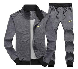 Куртки из водолазки онлайн-Оптовая мужская куртка брюки Jogging Jogger устанавливает водолазку спортивные спортивные костюмы спортивные костюмы мода спортивная бесплатная доставка
